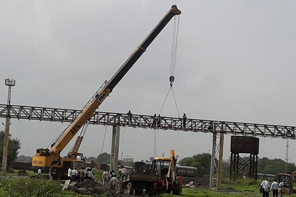 Heavy Duty Crane Rental Service in Gujarat