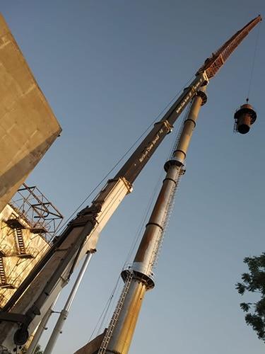 #alt_tagLong Boom Crane in Gujarat