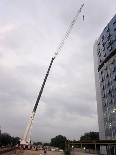 longest boom crane supplier mumbai